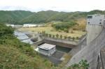 日吉ダム西詰より放流側
